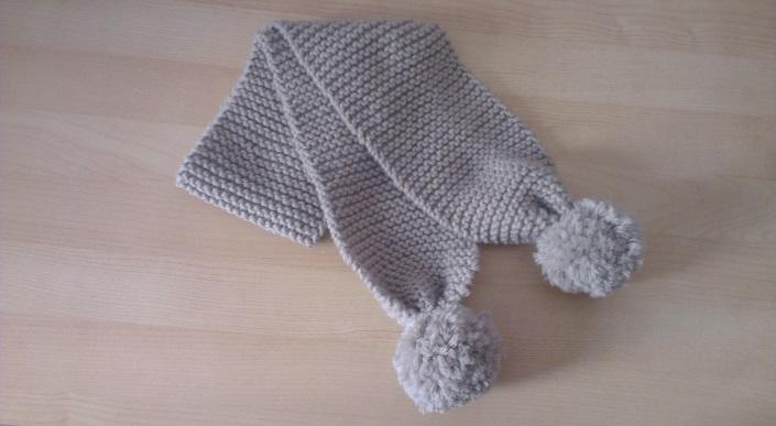 tricoter une echarpe a boules